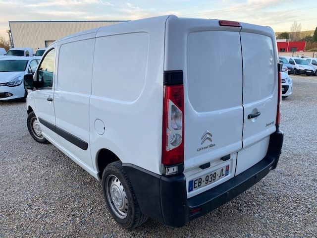 Photo 3 de l'offre de CITROEN JUMPY L1H1 HDI 125 BUSINESS BV6 GPS 2016 à 9990€ chez JS Auto